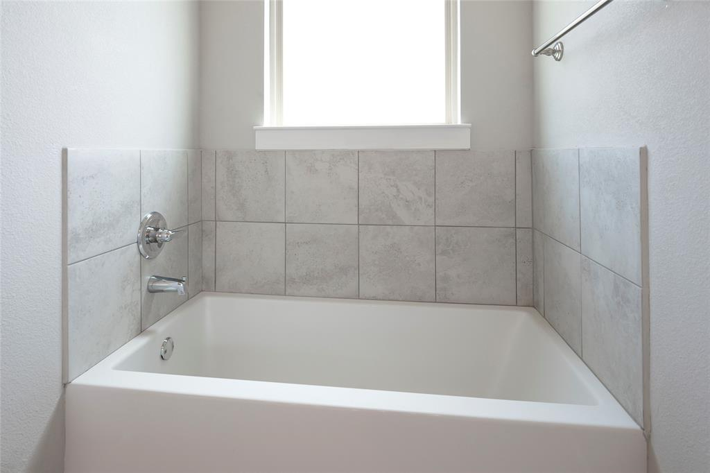 9 Bluebird  Lane, Sanger, Texas 76266 - acquisto real estate best designer and realtor hannah ewing kind realtor