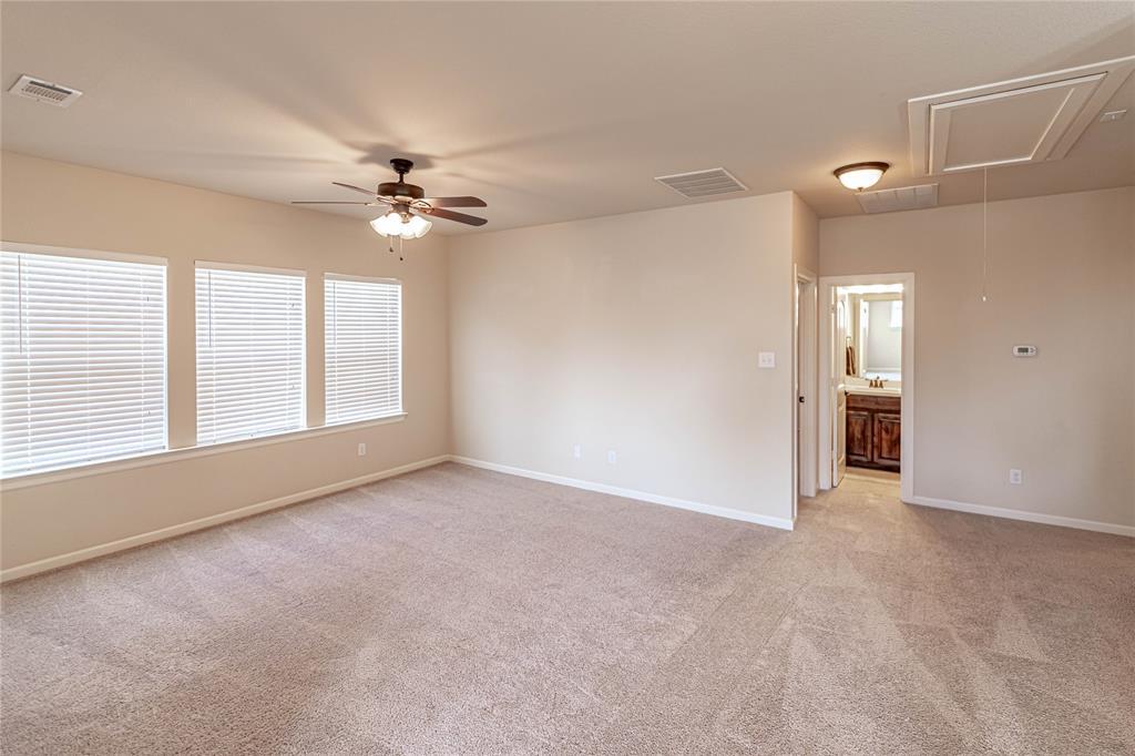 8325 Sandhill Crane  Drive, Fort Worth, Texas 76118 - acquisto real estate best realtor foreclosure real estate mike shepeherd walnut grove realtor