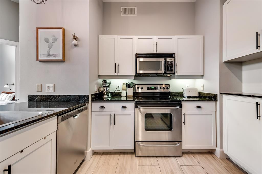 4414 Cedar Springs  Road, Dallas, Texas 75219 - acquisto real estate best listing agent in the nation shana acquisto estate realtor