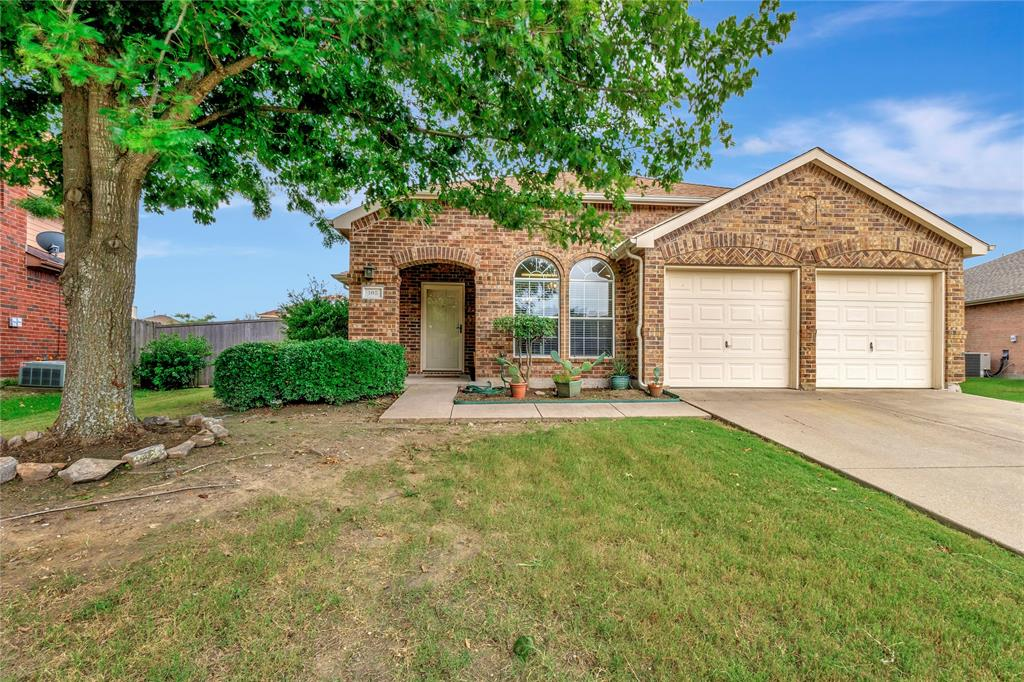 105 Wandering  Drive, Forney, Texas 75126 - Acquisto Real Estate best plano realtor mike Shepherd home owners association expert