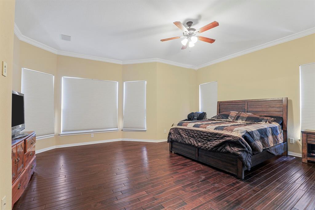 4204 Debbie  Drive, Grand Prairie, Texas 75052 - acquisto real estate best realtor dallas texas linda miller agent for cultural buyers