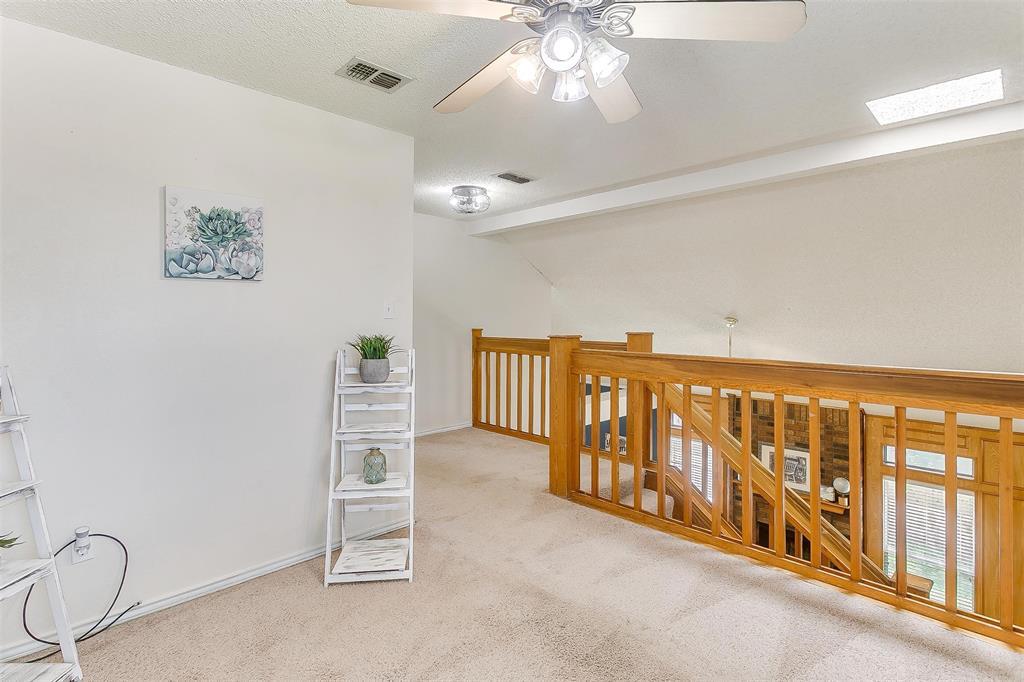 6028 Hillglen  Drive, Watauga, Texas 76148 - acquisto real estate best listing photos hannah ewing mckinney real estate expert