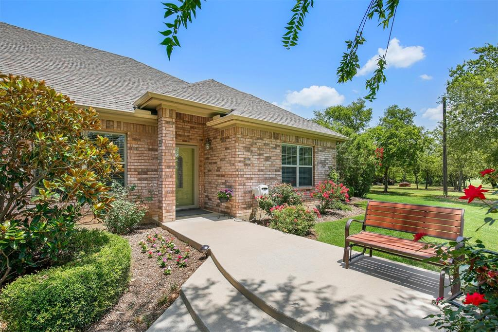 1926 Milam  Road, Sanger, Texas 76266 - acquisto real estate best plano real estate agent mike shepherd