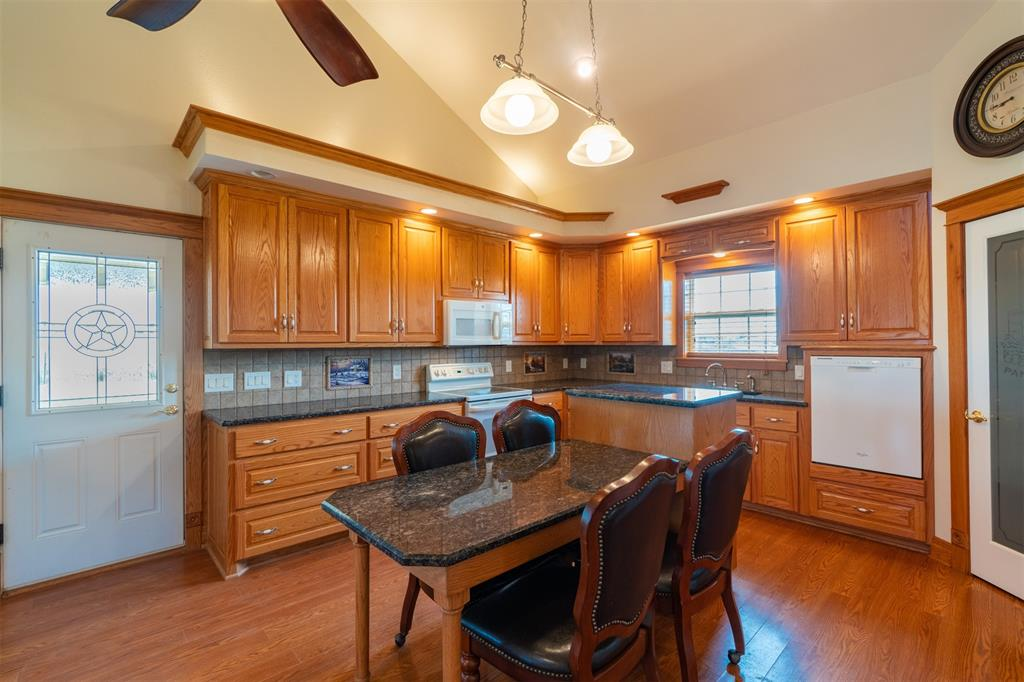 7425 County Road 4209  Campbell, Texas 75422 - acquisto real estate best real estate company to work for