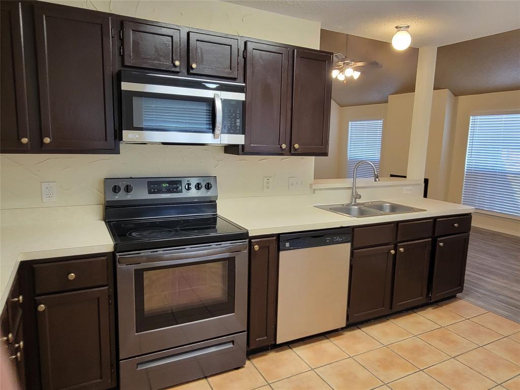 6036 Maple Leaf  Drive, Arlington, Texas 76017 - acquisto real estate best celina realtor logan lawrence best dressed realtor