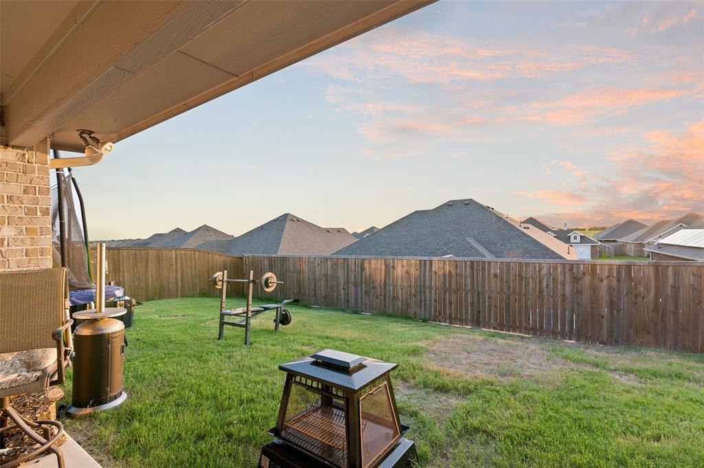 4014 Kensington  Drive, Sanger, Texas 76266 - acquisto real estate best luxury home specialist shana acquisto