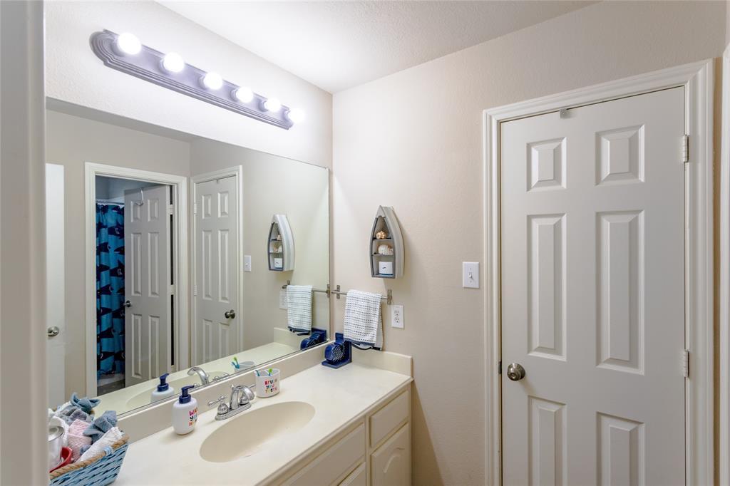 6133 Sunrise Lake  Drive, Fort Worth, Texas 76179 - acquisto real estate best looking realtor in america shana acquisto