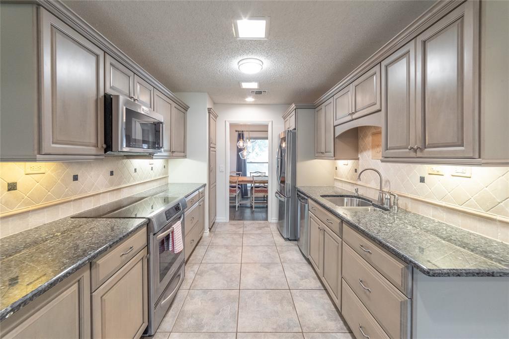 3413 Wayland  Drive, Fort Worth, Texas 76133 - acquisto real estate best luxury buyers agent in texas shana acquisto inheritance realtor