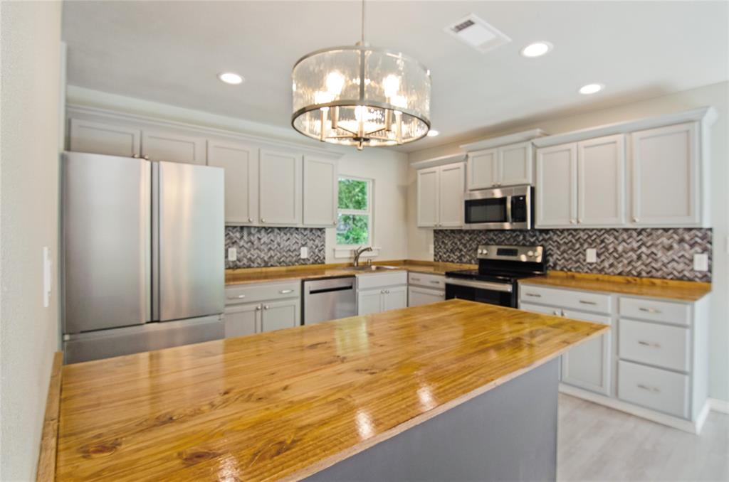 1207 Se 2nd  Avenue, Mineral Wells, Texas 76067 - acquisto real estate best allen realtor kim miller hunters creek expert