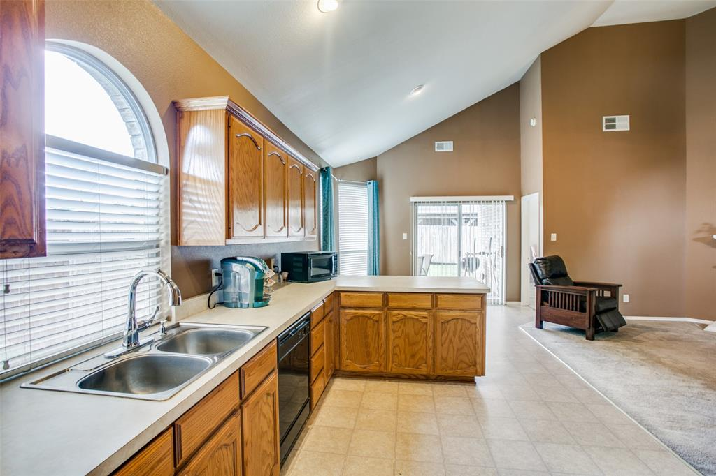 10628 Ashmore  Drive, Fort Worth, Texas 76131 - acquisto real estate best real estate company to work for