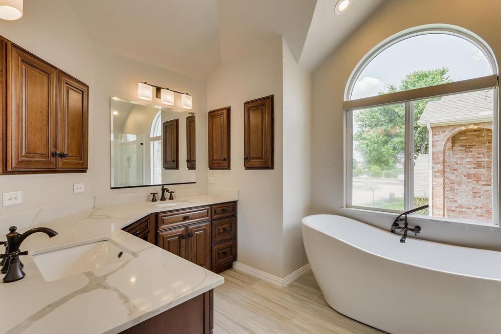 2124 Gisbourne  Drive, Flower Mound, Texas 75028 - acquisto real estate best new home sales realtor linda miller executor real estate