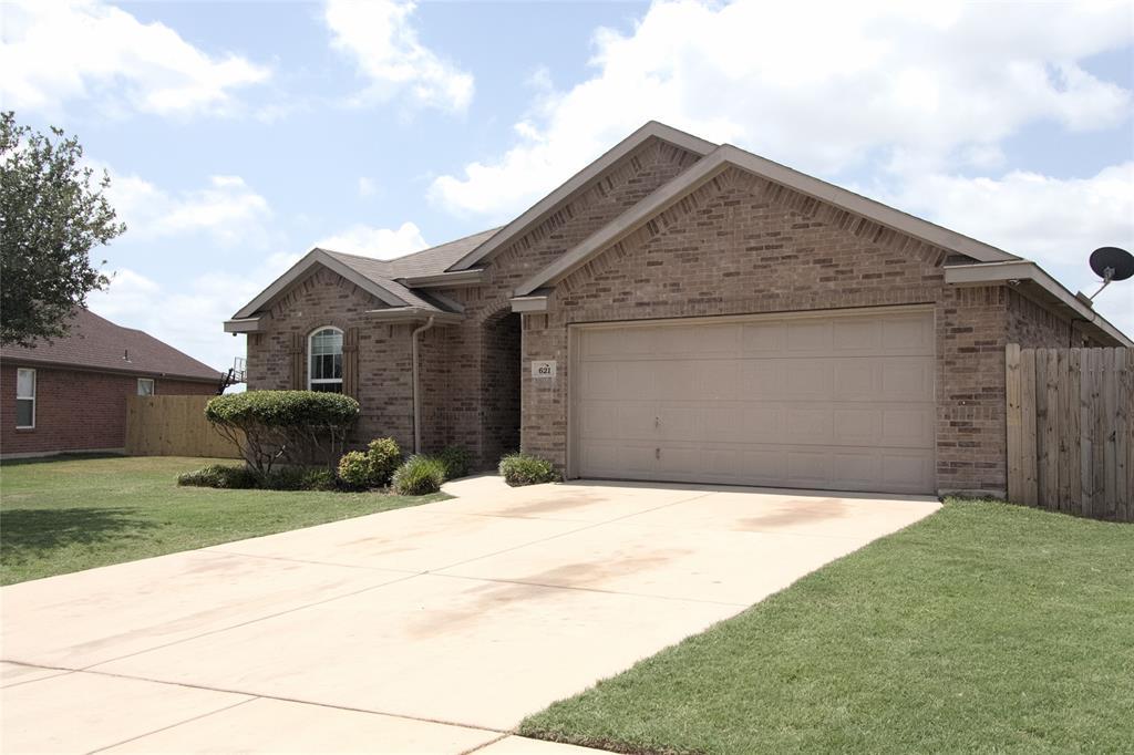 621 Sparrow  Drive, Saginaw, Texas 76131 - acquisto real estate best allen realtor kim miller hunters creek expert