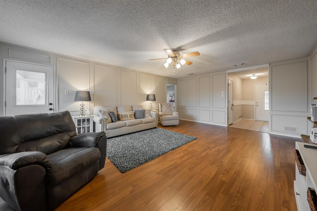 2732 Meadow Green  Bedford, Texas 76021 - acquisto real estate best the colony realtor linda miller the bridges real estate