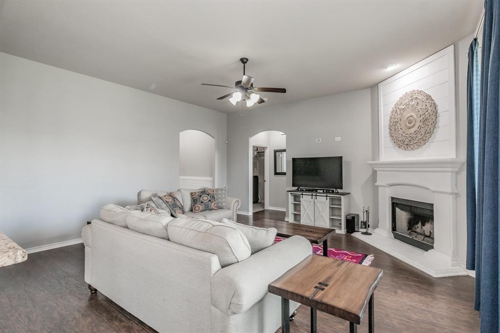 1204 Lantana  Lane, Burleson, Texas 76028 - acquisto real estate best photos for luxury listings amy gasperini quick sale real estate