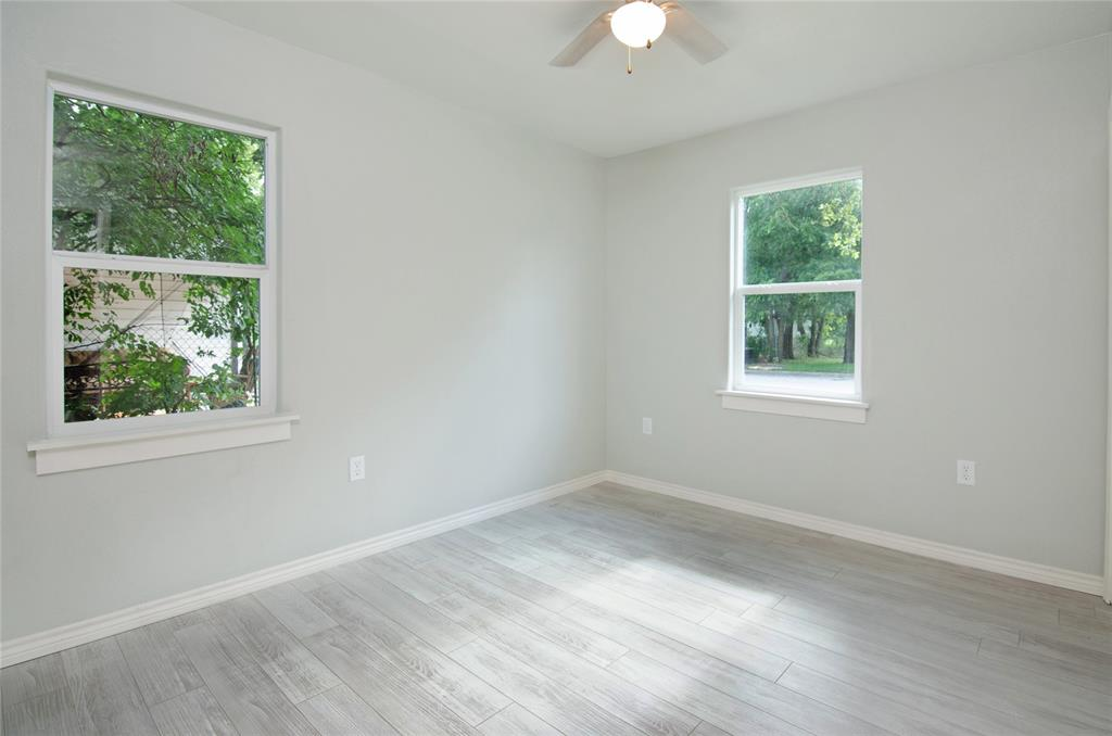 1207 Se 2nd  Avenue, Mineral Wells, Texas 76067 - acquisto real estate best real estate company to work for