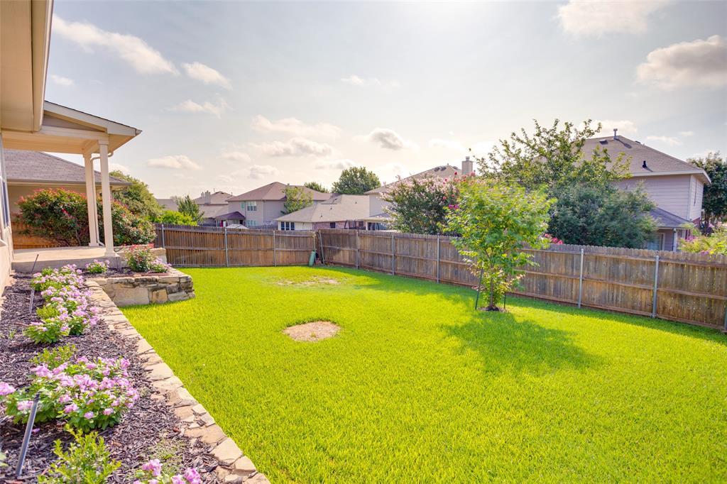 5712 Westgate  Drive, Fort Worth, Texas 76179 - acquisto real estate best looking realtor in america shana acquisto