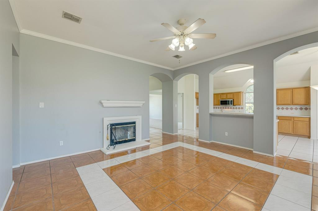 401 Watertown  Lane, Arlington, Texas 76002 - acquisto real estate best new home sales realtor linda miller executor real estate