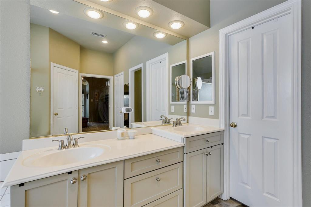 213 Longmeadow  Drive, Coppell, Texas 75019 - acquisto real estate best realtor foreclosure real estate mike shepeherd walnut grove realtor
