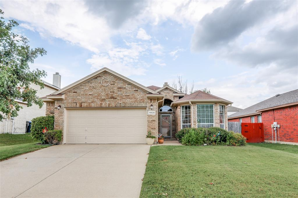 10628 Ashmore  Drive, Fort Worth, Texas 76131 - Acquisto Real Estate best plano realtor mike Shepherd home owners association expert