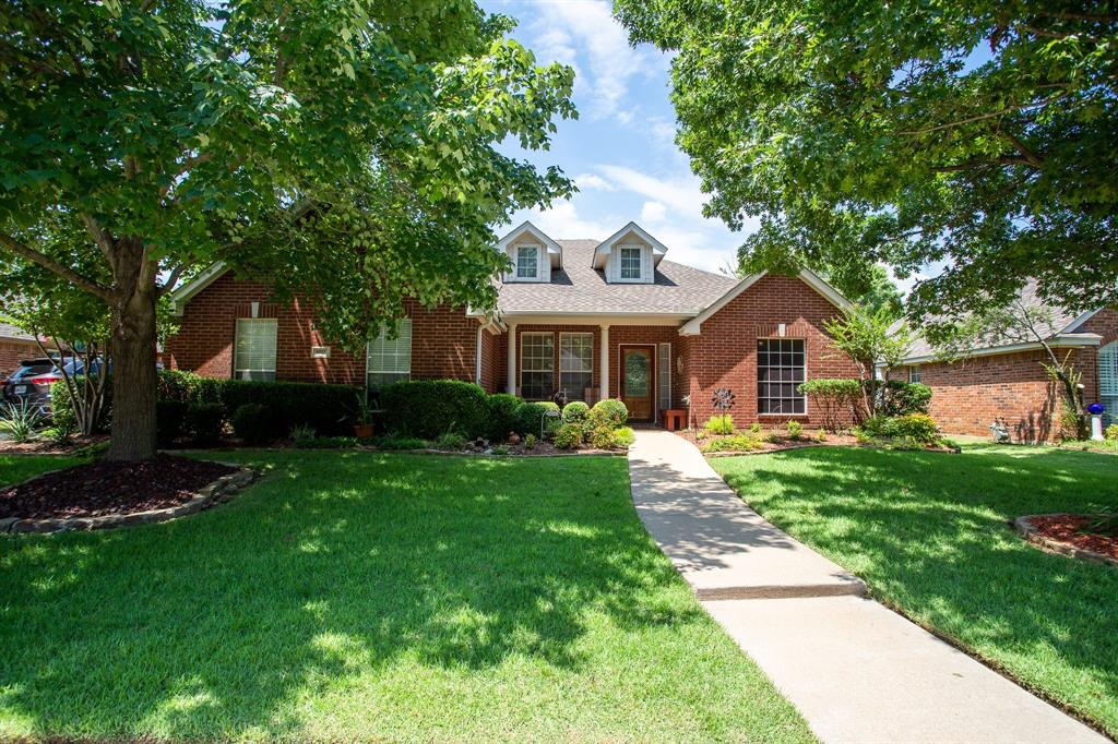 8817 Trails Edge  Drive, North Richland Hills, Texas 76182 - Acquisto Real Estate best plano realtor mike Shepherd home owners association expert