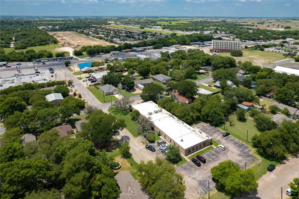 1300 Anglin  Street, Cleburne, Texas 76031 - acquisto real estate best plano real estate agent mike shepherd