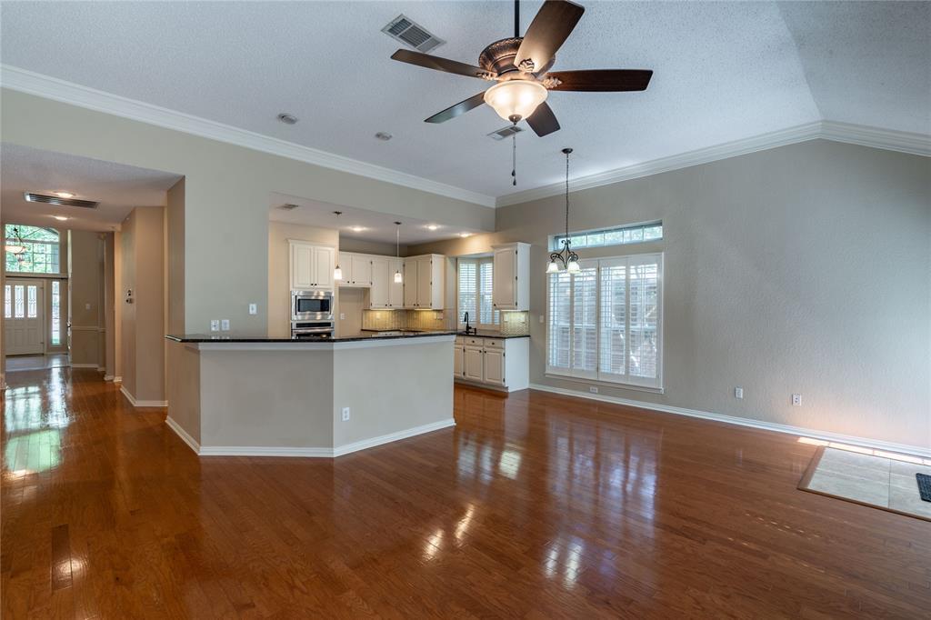 2647 Garden Ridge  Lane, Arlington, Texas 76006 - acquisto real estate best real estate company to work for