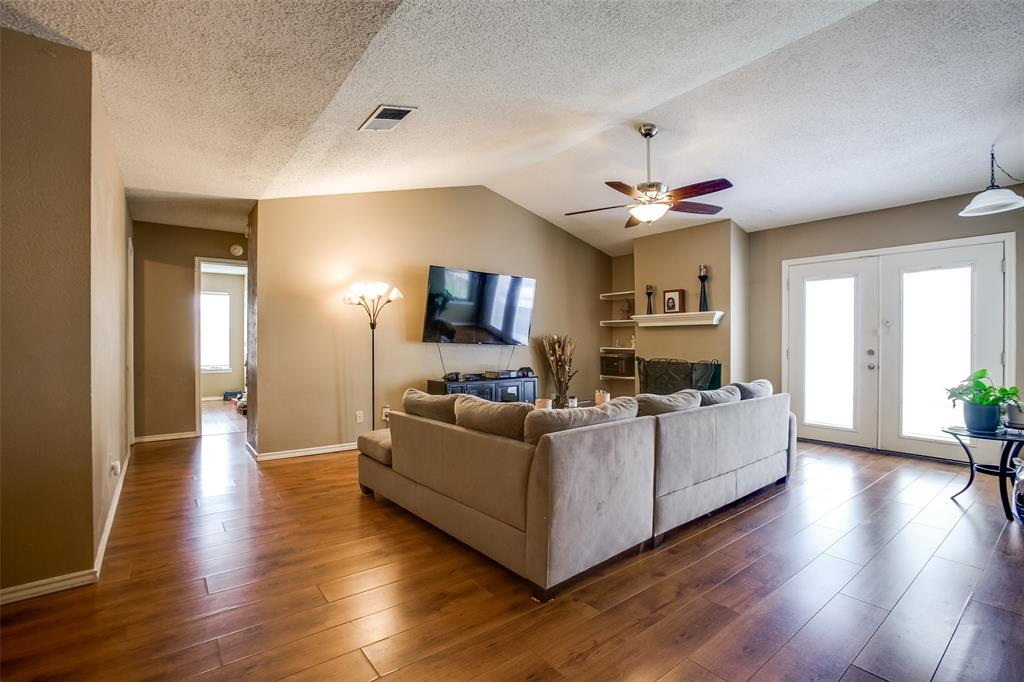 2628 Glenmore  Drive, Mesquite, Texas 75150 - acquisto real estate best the colony realtor linda miller the bridges real estate