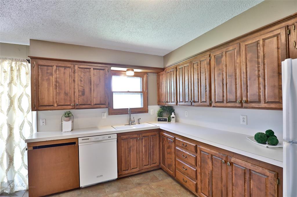 1402 Glenhaven  Drive, Abilene, Texas 79603 - acquisto real estate best listing listing agent in texas shana acquisto rich person realtor