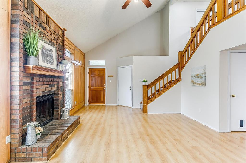 6028 Hillglen  Drive, Watauga, Texas 76148 - acquisto real estate best real estate company to work for