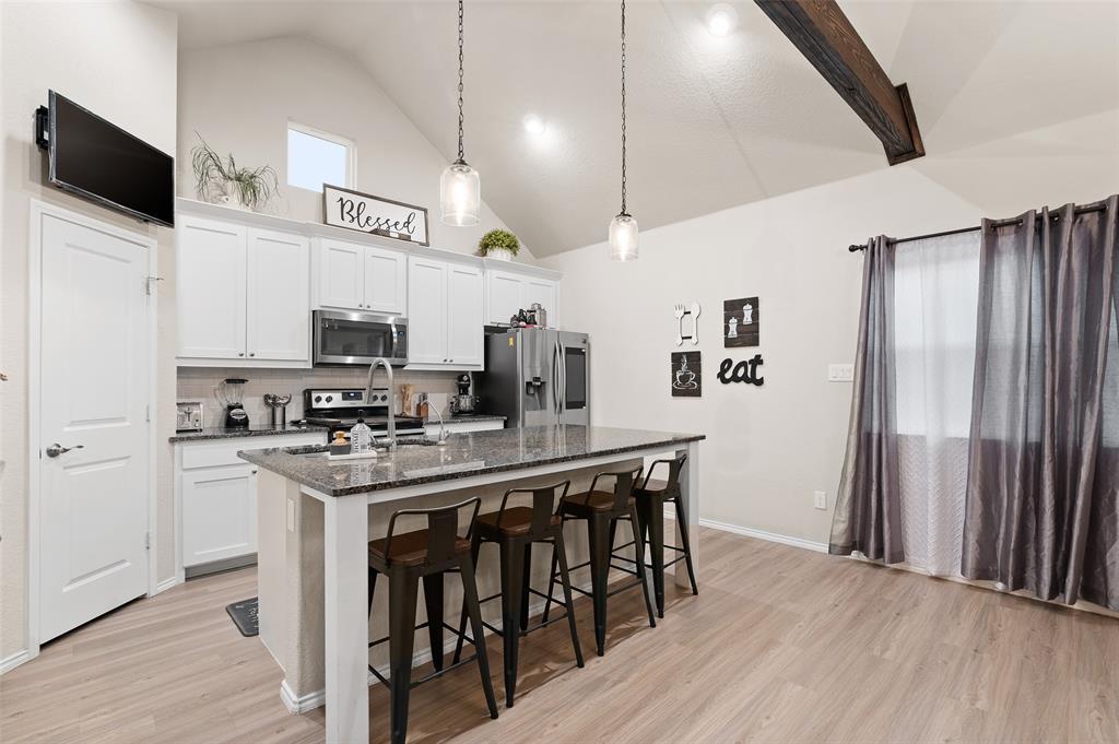 4014 Kensington  Drive, Sanger, Texas 76266 - acquisto real estate best style realtor kim miller best real estate reviews dfw