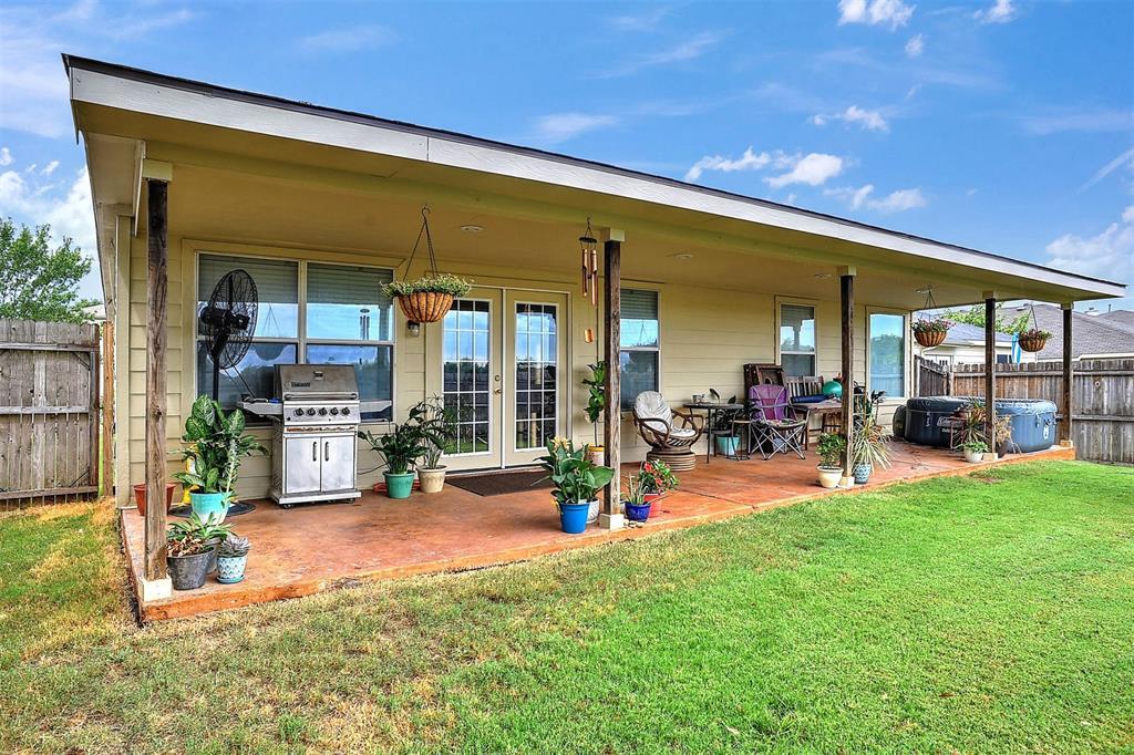 1113 Mallard  Drive, Sherman, Texas 75092 - acquisto real estate best park cities realtor kim miller best staging agent