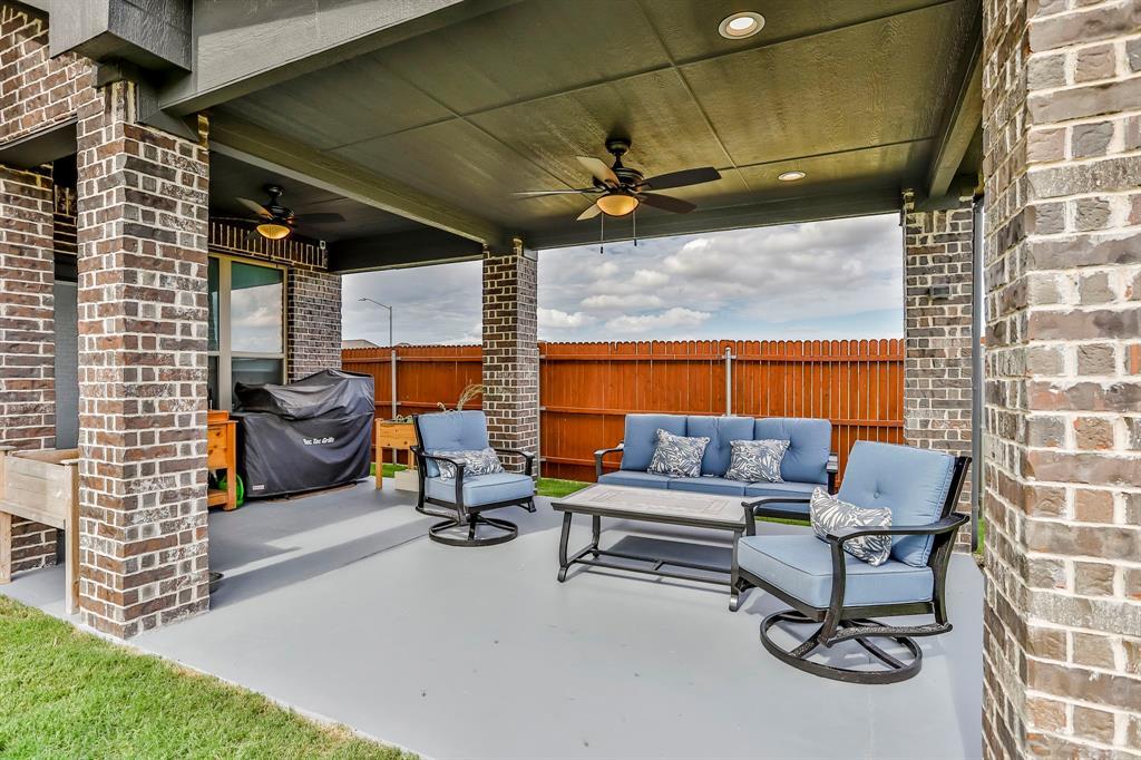 537 Tierra Vista  Way, Fort Worth, Texas 76131 - acquisto real estate best looking realtor in america shana acquisto