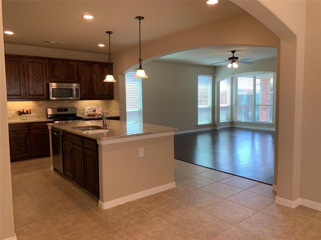 424 Spring Creek  Drive, Argyle, Texas 76226 - acquisto real estate best prosper realtor susan cancemi windfarms realtor