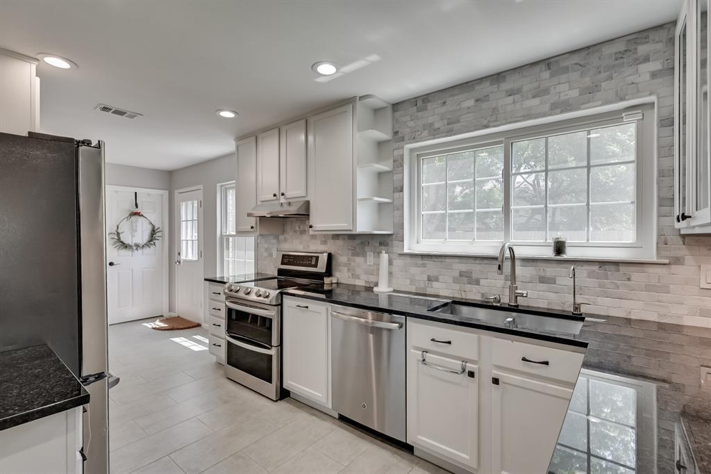 528 Yellowstone  Drive, Grapevine, Texas 76051 - acquisto real estate best luxury buyers agent in texas shana acquisto inheritance realtor