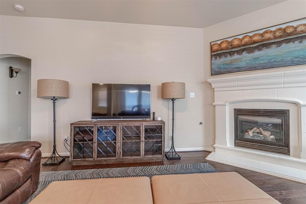 8325 Sandhill Crane  Drive, Fort Worth, Texas 76118 - acquisto real estate best real estate company to work for