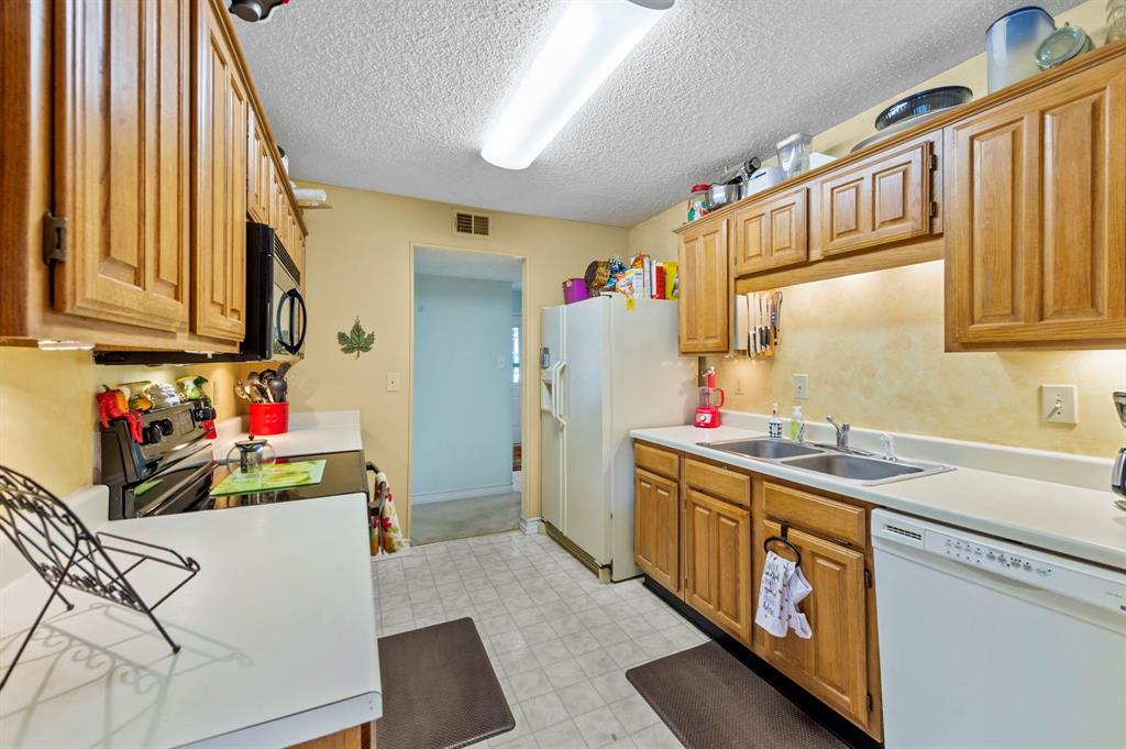 2112 Crestmeadow  Street, Denton, Texas 76207 - acquisto real estate best luxury buyers agent in texas shana acquisto inheritance realtor