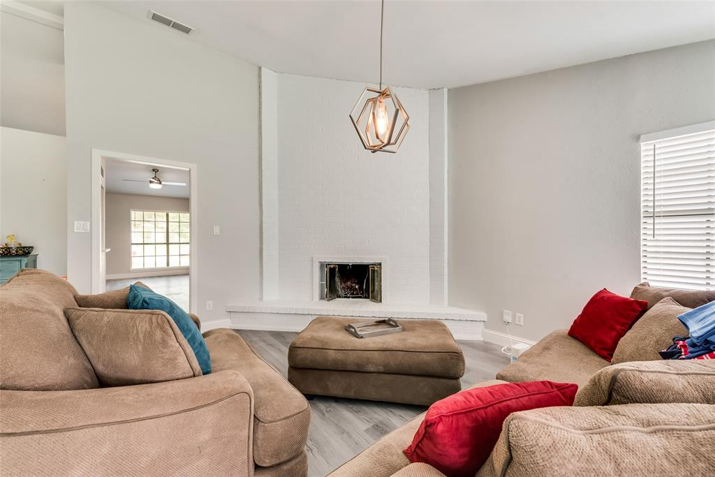 1910 Uvalde  Street, Mesquite, Texas 75150 - acquisto real estate best real estate company to work for