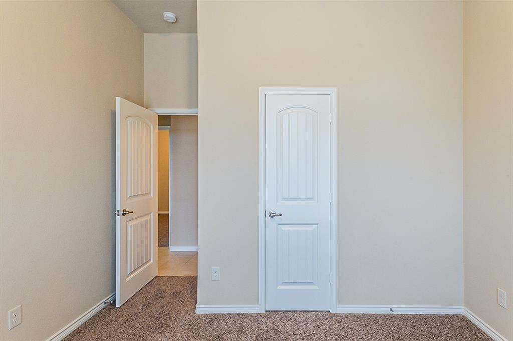 5025 Hidden Creek  Road, Garland, Texas 75043 - acquisto real estate best investor home specialist mike shepherd relocation expert
