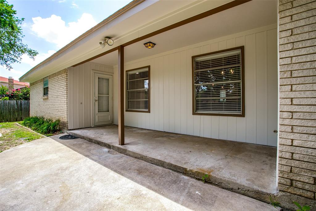 2108 Stonegate  Drive, Bedford, Texas 76021 - acquisto real estate best realtor westlake susan cancemi kind realtor of the year