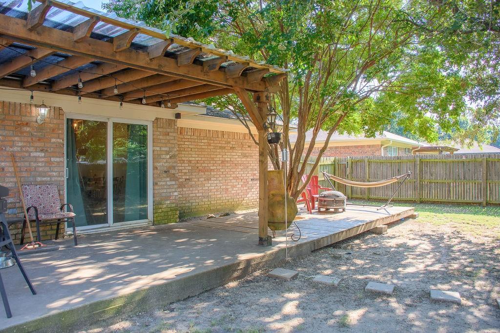 206 Hackberry  Drive, Greenville, Texas 75402 - acquisto real estate best prosper realtor susan cancemi windfarms realtor