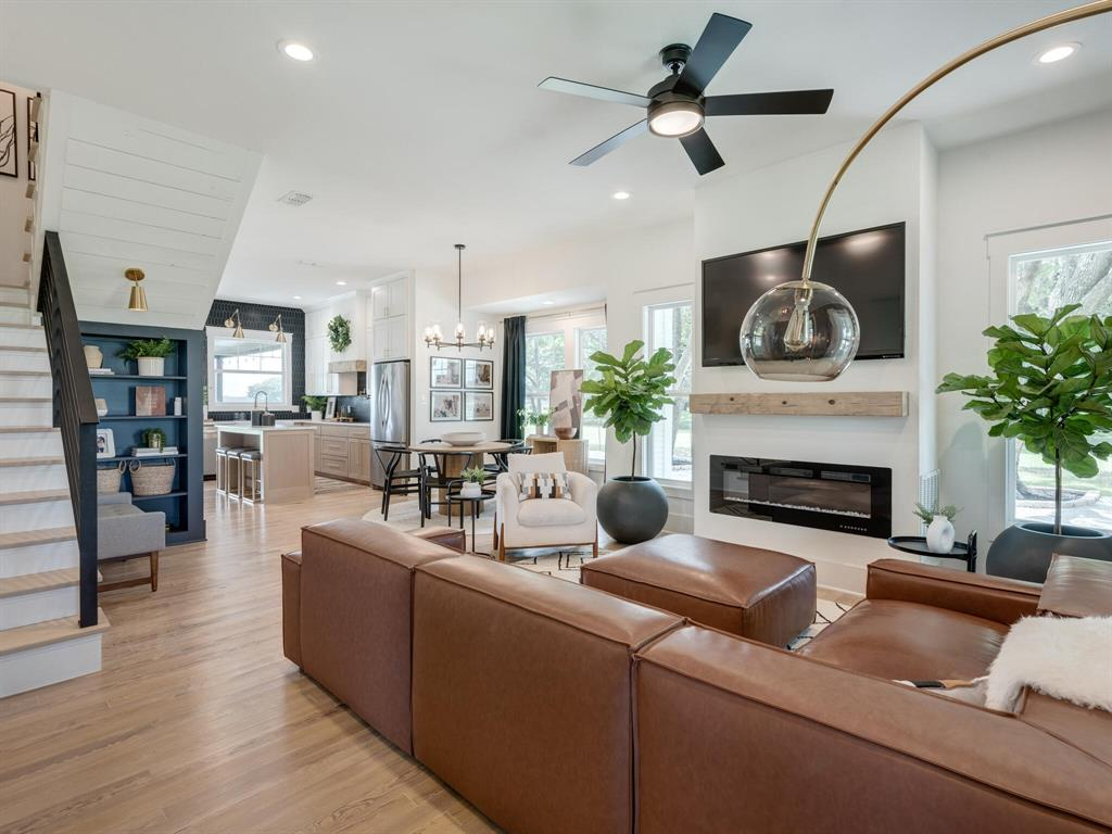 901 Debbie  Lane, Pilot Point, Texas 76258 - acquisto real estate best celina realtor logan lawrence best dressed realtor