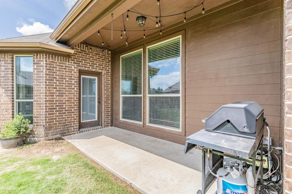 1204 Lantana  Lane, Burleson, Texas 76028 - acquisto real estate mvp award real estate logan lawrence