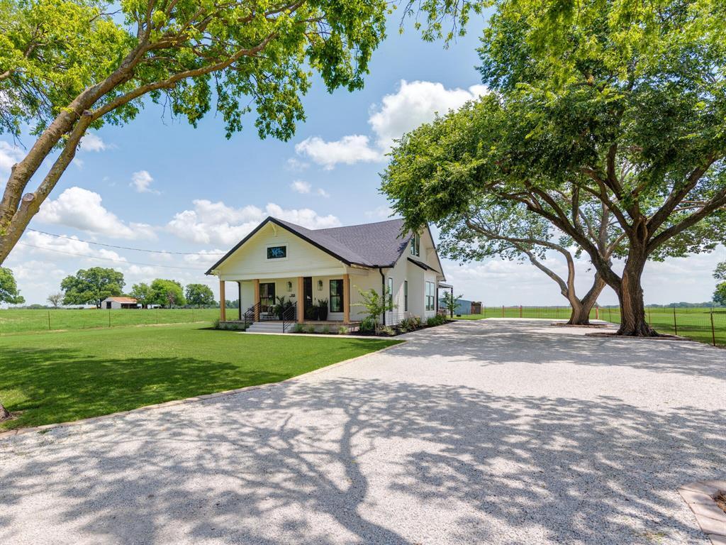 901 Debbie  Lane, Pilot Point, Texas 76258 - acquisto real estate best allen realtor kim miller hunters creek expert