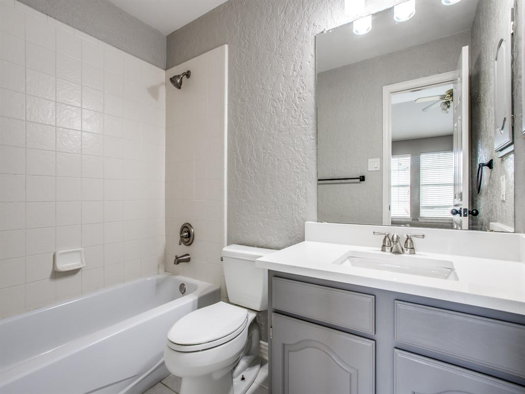 4901 Plantation  Lane, Frisco, Texas 75035 - acquisto real estate best frisco real estate agent amy gasperini panther creek realtor