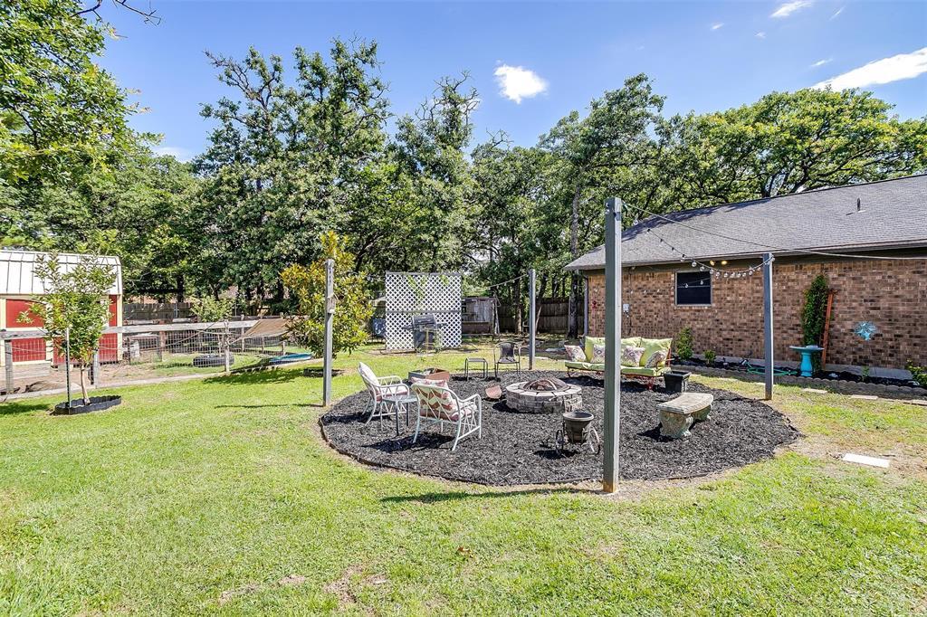 1010 Yvonne  Drive, Joshua, Texas 76058 - acquisto real estate best relocation company in america katy mcgillen