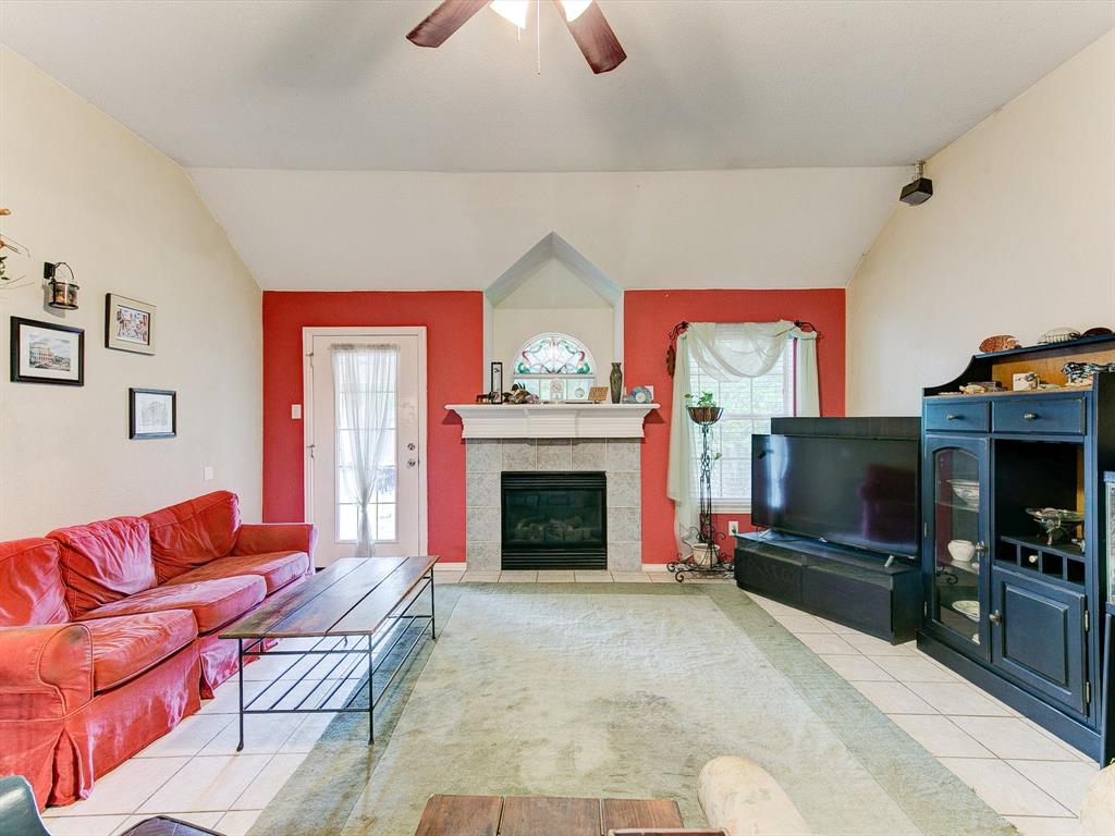 2830 Oakdale  Drive, Burleson, Texas 76028 - acquisto real estate best frisco real estate broker in texas for high net worth buyers