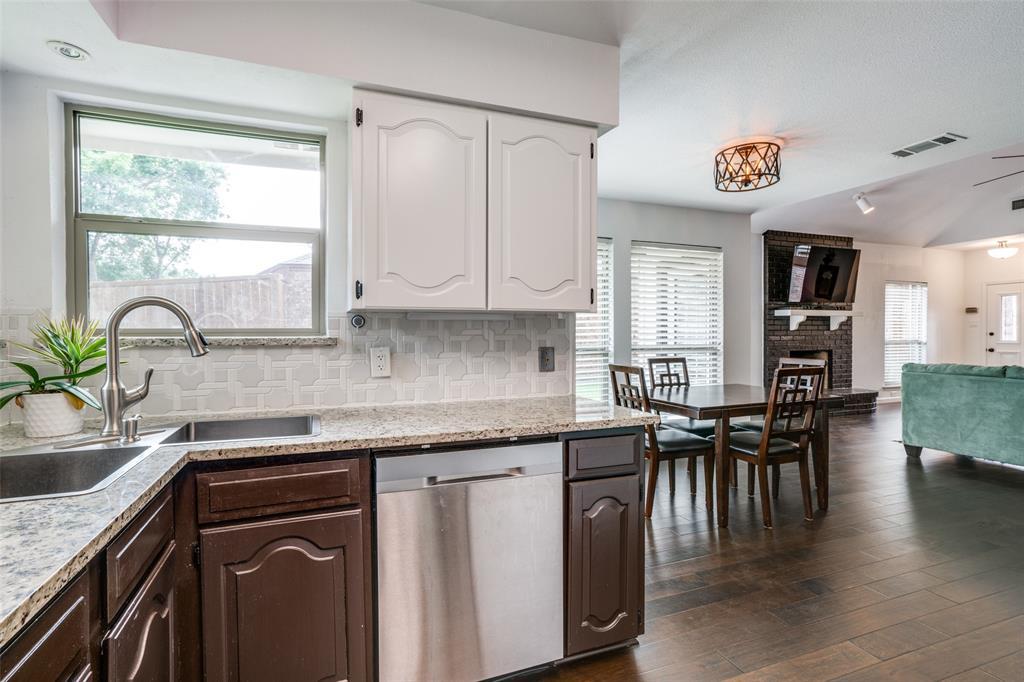 1503 Laguna Vista  Way, Grapevine, Texas 76051 - acquisto real estate best photos for luxury listings amy gasperini quick sale real estate