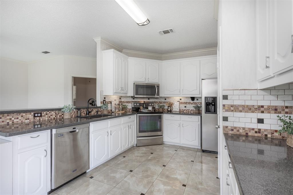 9432 Abbey  Road, Irving, Texas 75063 - acquisto real estate best luxury buyers agent in texas shana acquisto inheritance realtor