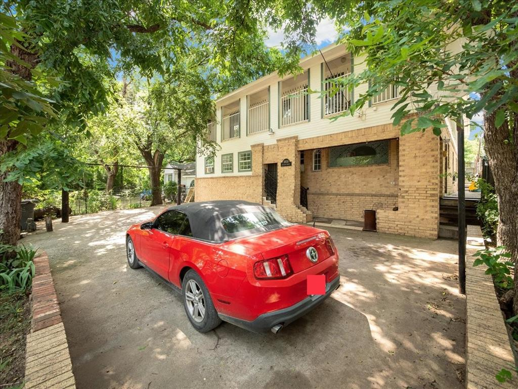 1850 Pollard  Street, Dallas, Texas 75208 - acquisto real estate best luxury buyers agent in texas shana acquisto inheritance realtor