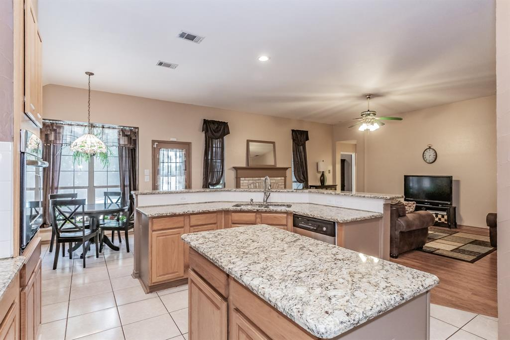 201 Jaime Jack  Drive, Grand Prairie, Texas 75052 - acquisto real estate best photos for luxury listings amy gasperini quick sale real estate